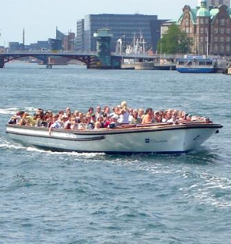 Copenhagen Canal Tours electric boat